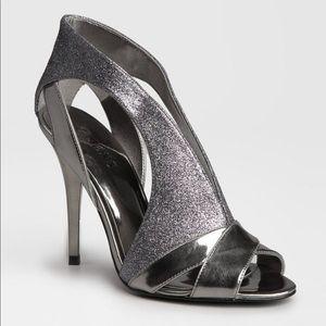 NWOT | Guess Onella silver glitter heels Sz. 8.5